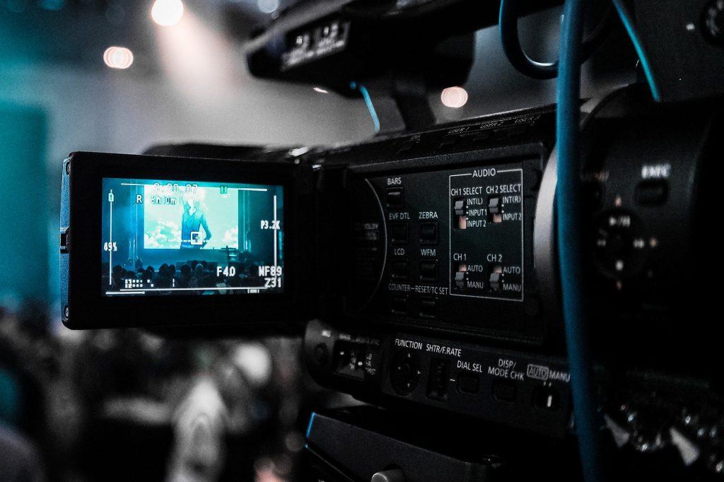 VRを用いた動画制作・映像配信のご依頼はこちらから(御社の事業を時間的・空間的制約から解放します)